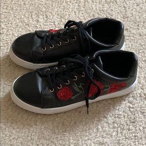 Women's Qupid black sneakers w/ red roses design